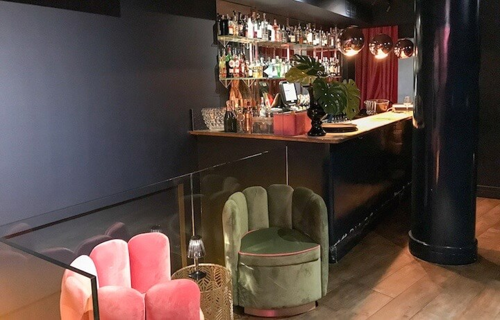 SÁCAME POR DIOS karaoke y piano bar Chueca