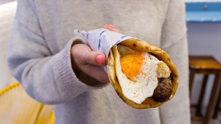 EGEO Suvlakería Griega Malasaña Taberna de cocina griega