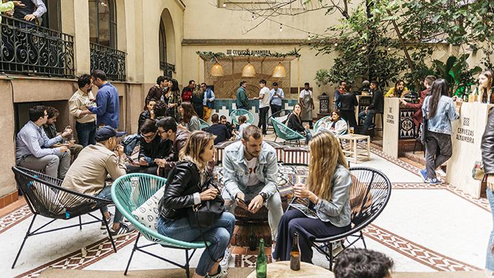 Jardín Cervezas Alhambra En El Palacio Gans Terraza Madrid