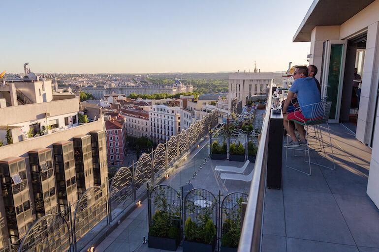 El rooftop con las mejores vistas del verano en el nuevo hotel Aloft Madrid Gran Vía