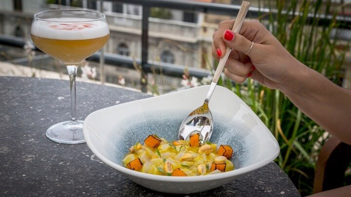 PICOS PARDOS Sky Lounge una exclusiva terraza con piscina y restaurante