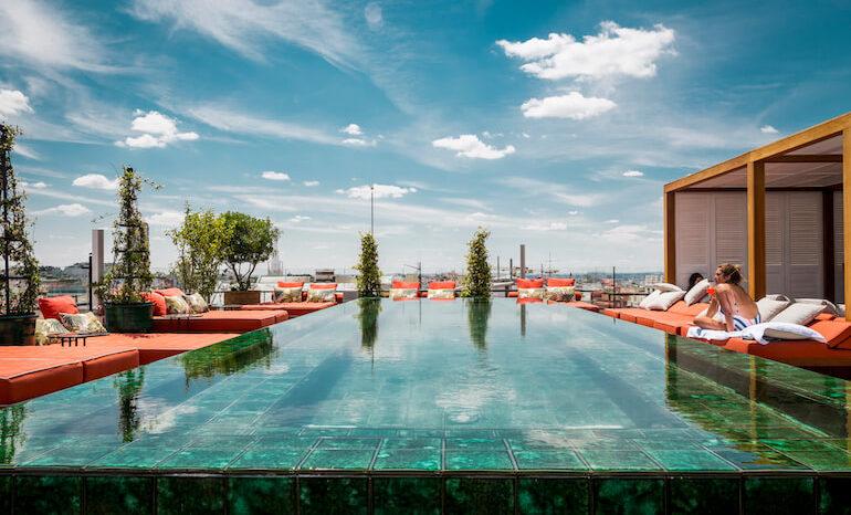 Picos Pardos Sky Lounge Una Exclusiva Terraza Con Piscina