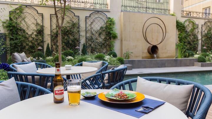 Terraza CoolRooms Atocha, un oasis en un patio histórico
