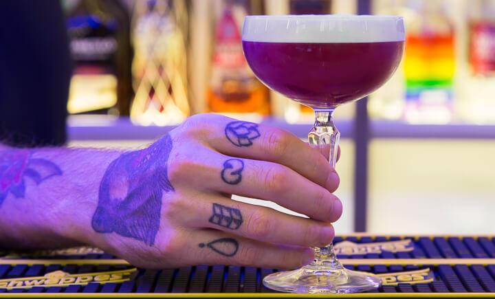 Bar Tropicalista, cócteles y picoteo brasileiro en Malasaña