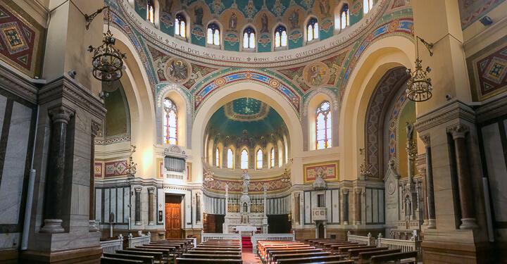 PARROQUIA SAN MIGEL Y SAN BENITO, ITALIA