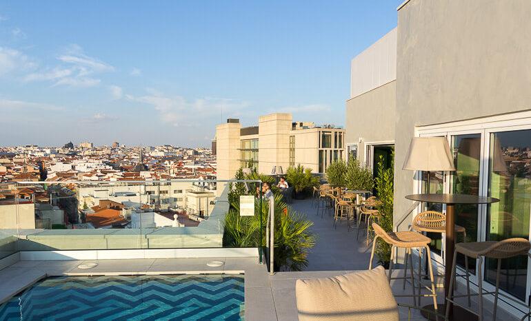 El Hotel Room Mate Macarena Suma Nueva Terraza En La Gran Via
