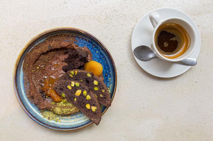 Fayer, el restaurante que fusiona la cocina argentina e israelí