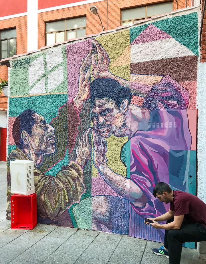 Pinta Malasaña cambia las calles por el Mercado de Mostenses