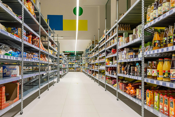 Supermercado Cooperativo La Osa en el barrio de Tetuán