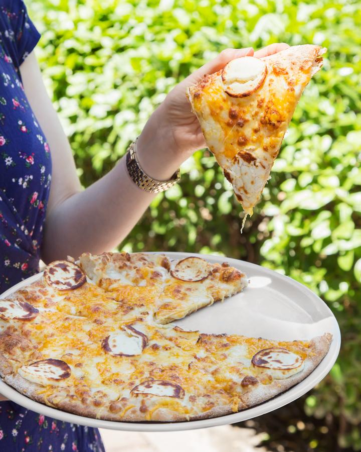 Pizzería Carlos, la pizza de los 90 ha vuelto