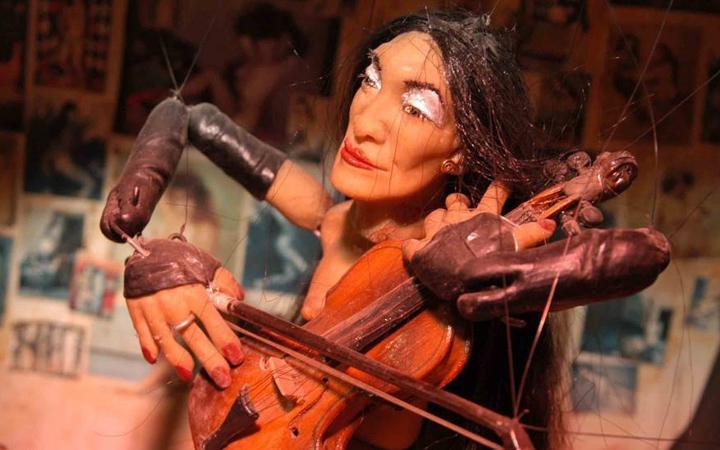 Grumildos, las marionetas mecánicas de Ety Fefer llegan a Conde Duque